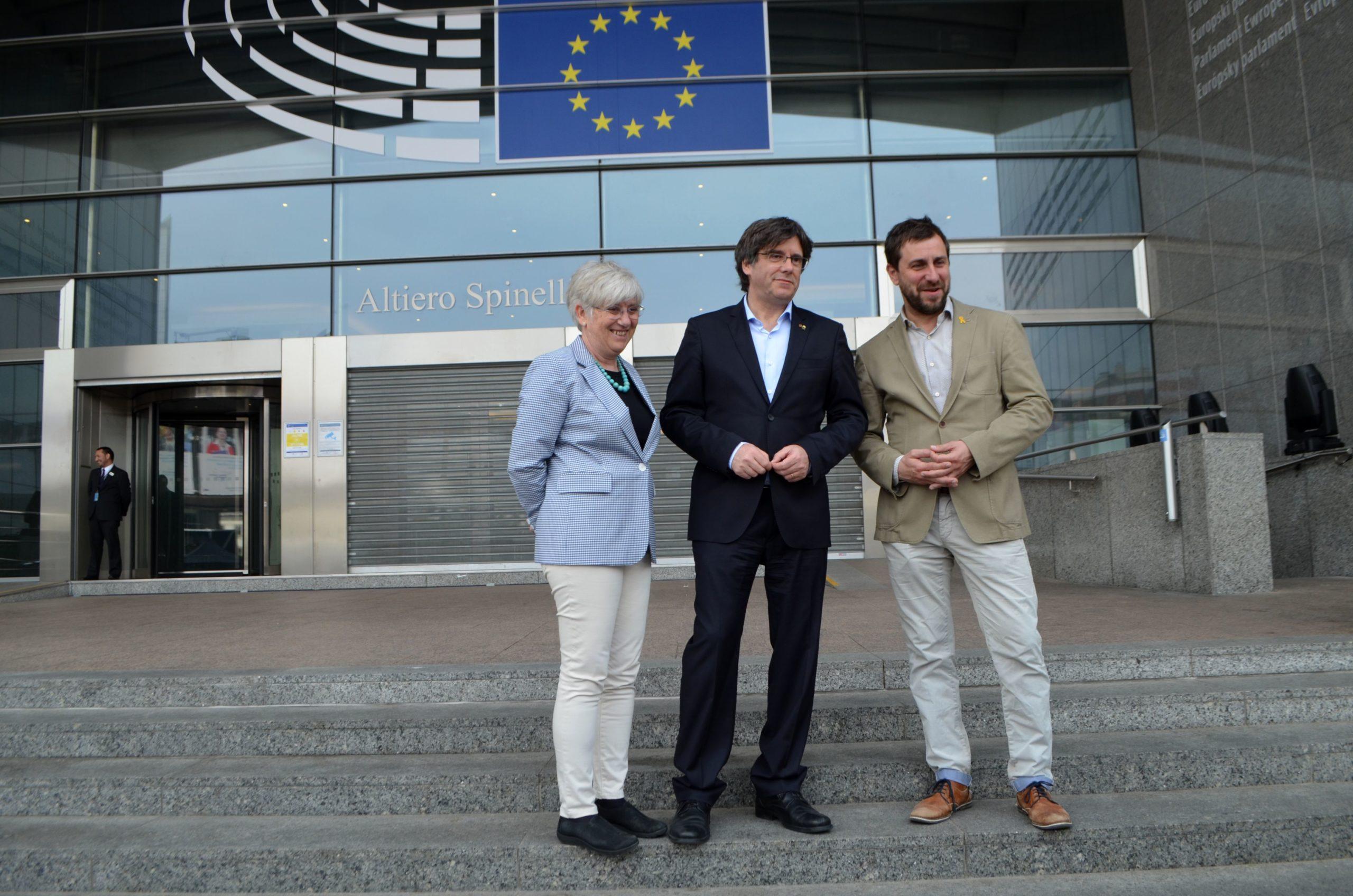 ERC obre la porta del grup Verds/ALE de l'Eurocambra a Puigdemont i Comín