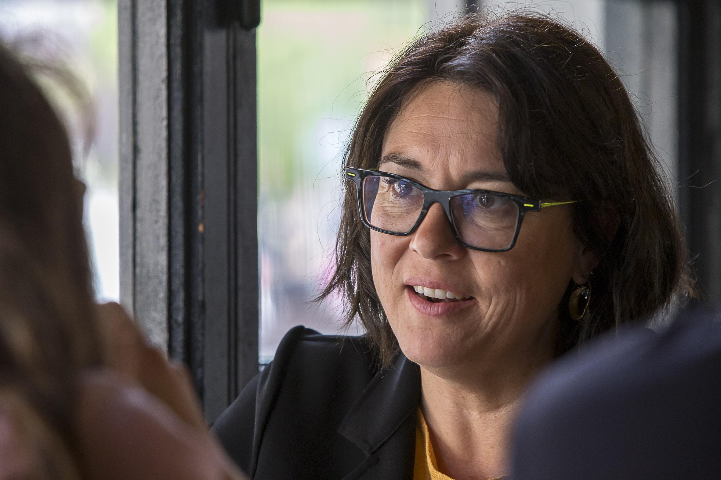 """Riba demana a la UE reforçar el suport contra la violència de gènere davant un """"possible augment"""" durant el confinament"""